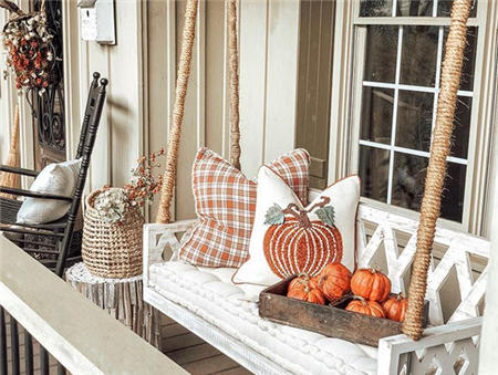 Easy And Cheap Fall Front Porch Decorating Ideas  #fallfrontporchdecor Easy And Cheap Fall Front Porch Decorating Ideas  ;#fallporchdecoratingideas#frontdoors #fallfrontporchdecor