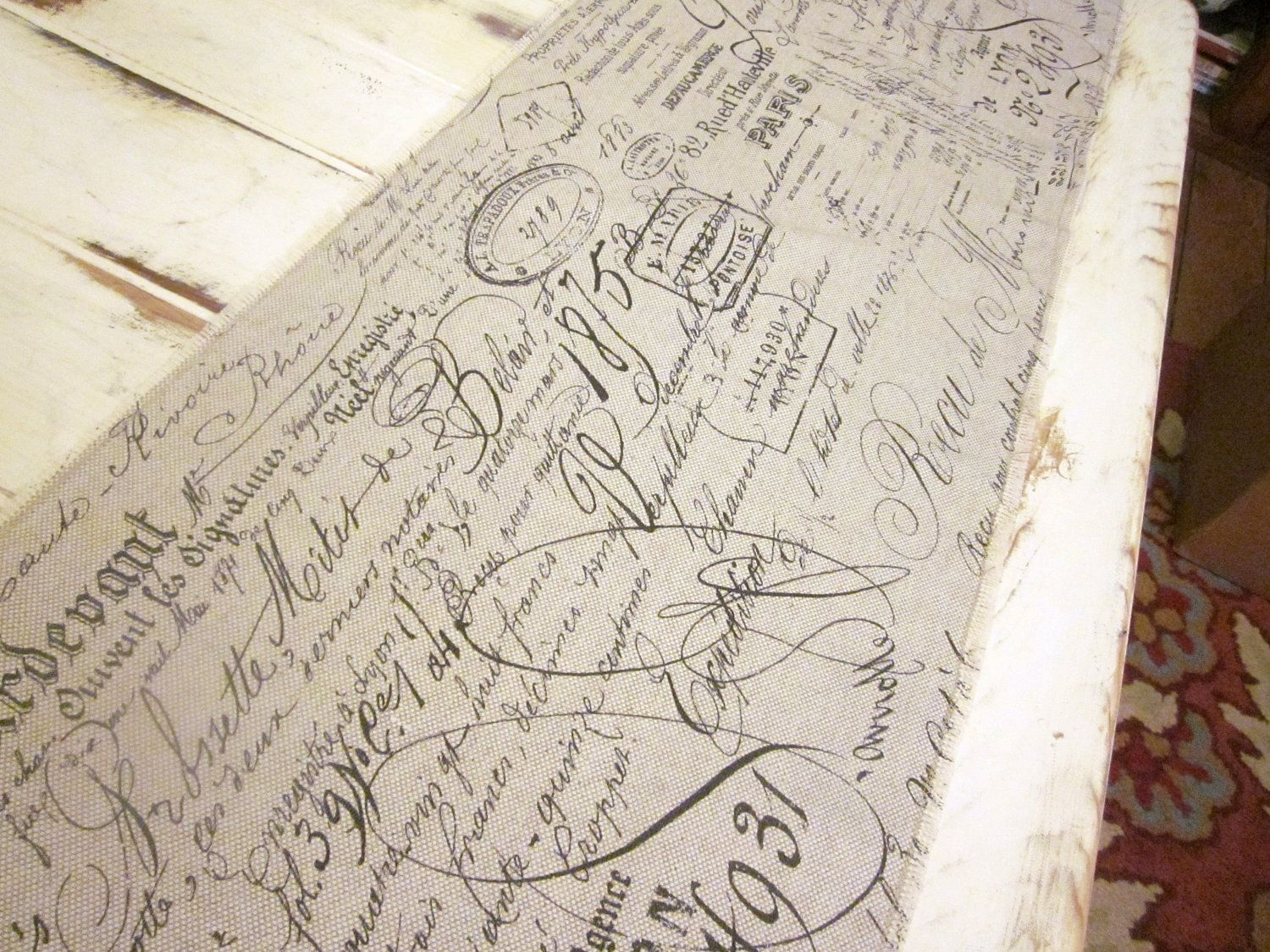 Nice Table Runner French Scrip