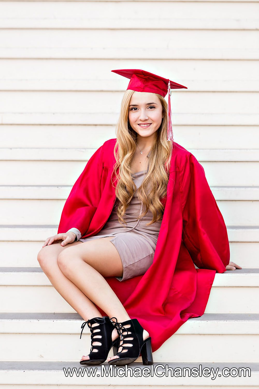 Fun College High School Senior Graduation Grad portrait photo ideas ...