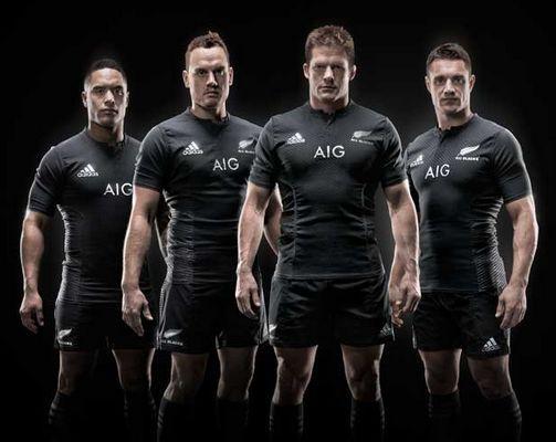 discreción Invertir entrega a domicilio  Los All Blacks presentan su camiseta 'más oscura de la historia'   All  blacks rugby, Imagenes de rugby, Camisetas de rugby