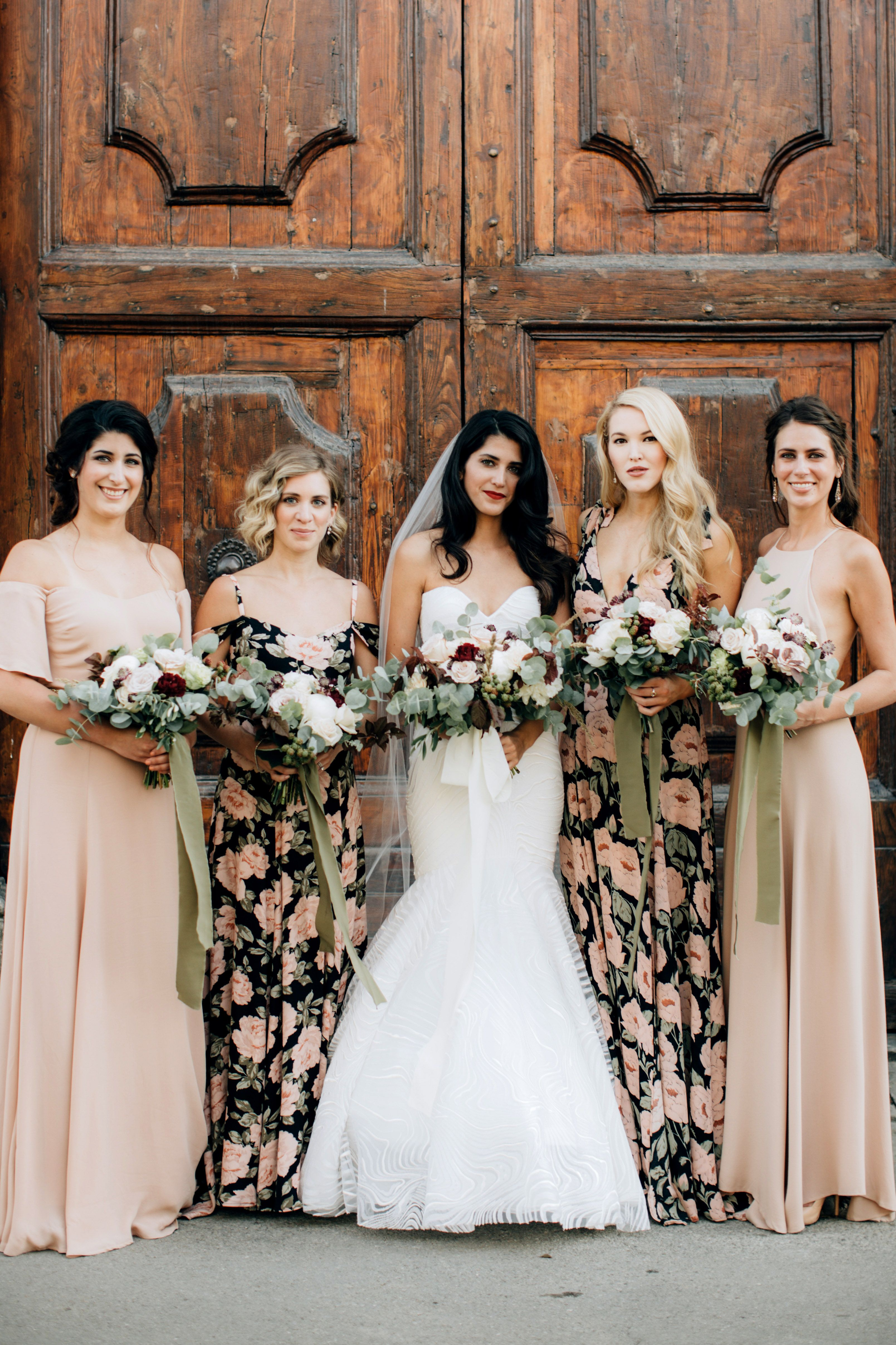 38 Looks That Prove Bridesmaids Dresses Can Be Chic Printed Bridesmaid Dresses Summer Wedding Dress Patterned Bridesmaid Dresses [ 4826 x 3217 Pixel ]