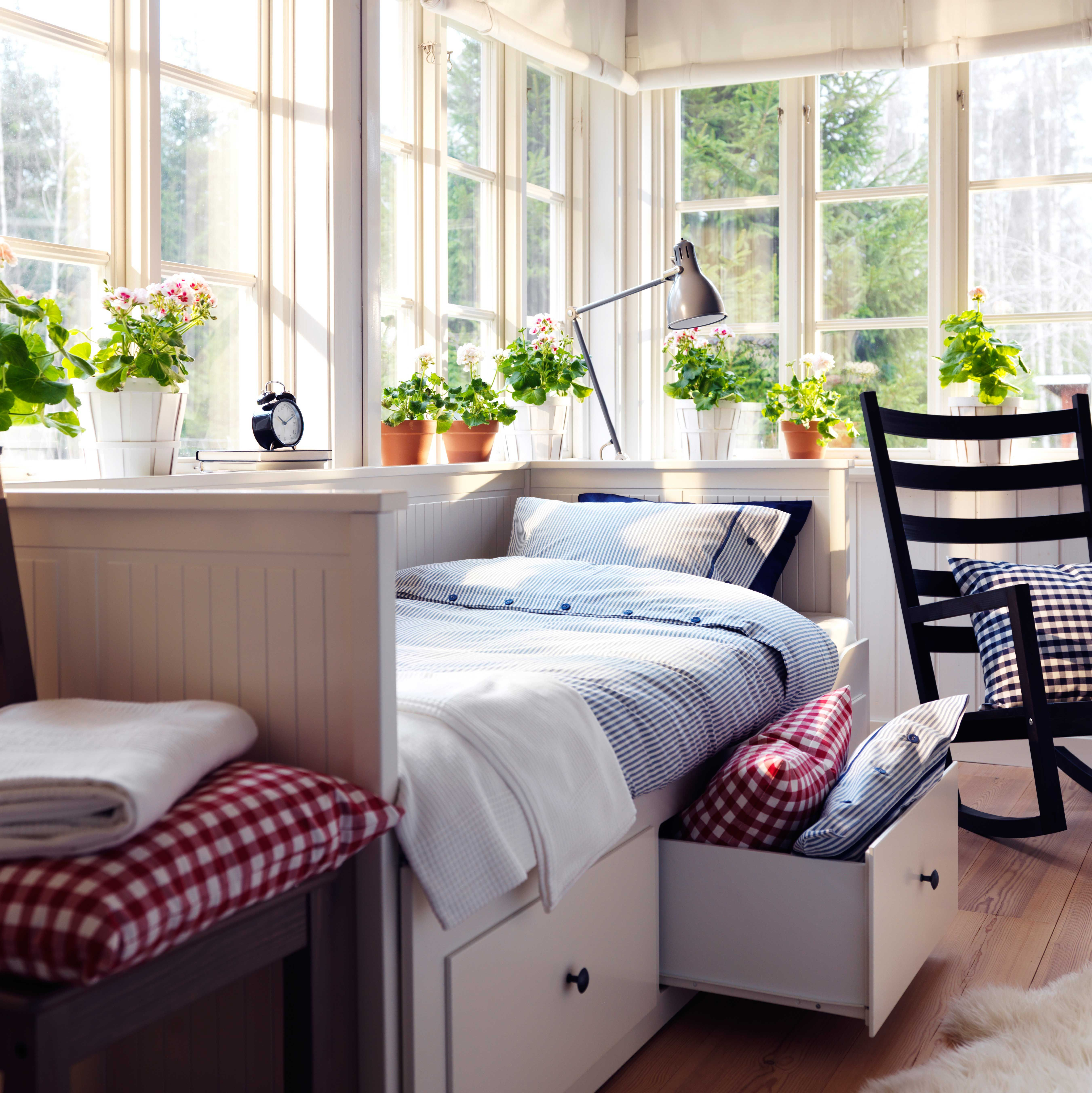 IKEA Österreich, Inspiration, Schlafzimmer, Hell, Fenster .