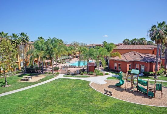 Missions At Sunbow Chula Vista Ca 91911 Zillow Rental Apartments Chula Vista House Styles