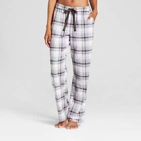 Bring Classic Coziness To Your Sleepwear Collection With The Plaid