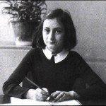 Se dio a conocer el único video que muestra a Ana Frank en su ventana pocas horas antes de ser descubierta por la Gestapo