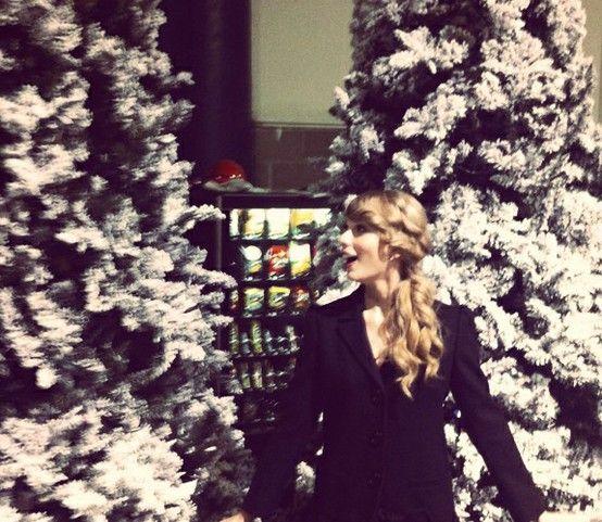 Taylor Swift Christmas Taylor Swift Christmas Taylor Alison Swift Taylor Swift