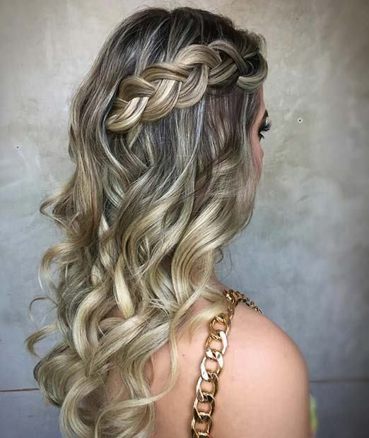 23 Stunning Prom Hair Ideas For 2018 19 Side Braid With Loose Curls Prom Promhair Curls Br Curled Hair With Braid Curled Prom Hair Braids With Curls