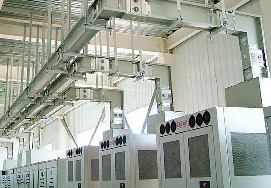 Busbar trunking systems connected to LV switchgear