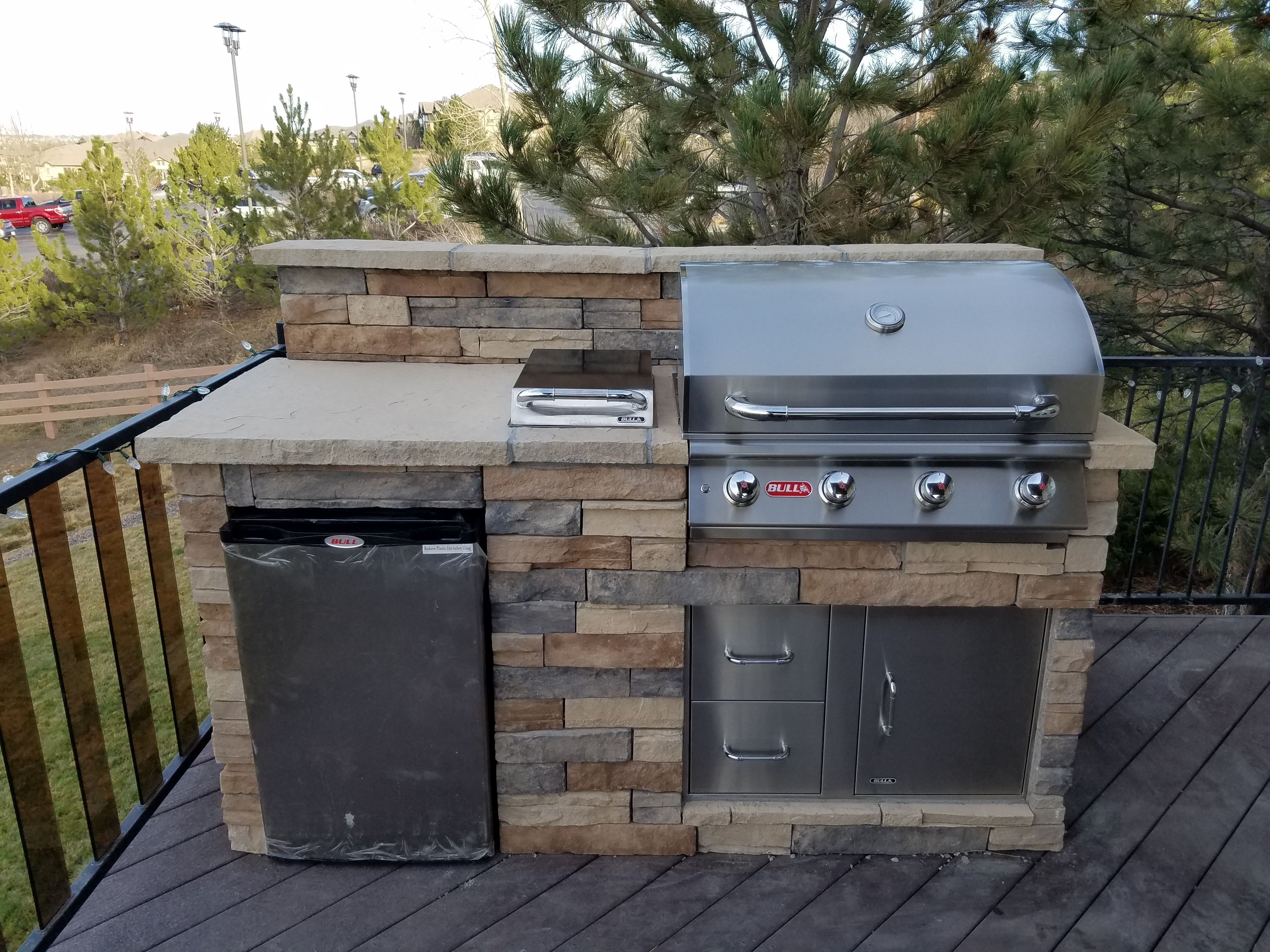 Elevated Deck 6 Grill Island With Bull Bbq Components Deck Design Outdoor Kitchen Outdoor Kitchen Design
