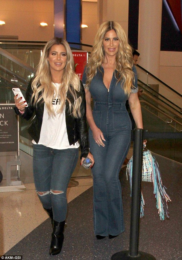 Good jeans!Kim Zolciak proved Tuesday the apple really doesn't fall far from the tree, as she jetted out of Los Angeles alongside her 19-year-old daughter Brielle