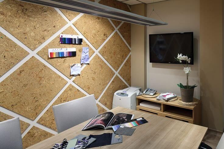 A Cork Board Wall Is Great At Limiting The Amount Of Sound And Heat That Flows In Out Of A Room Probkovaya Stena Stena Interer
