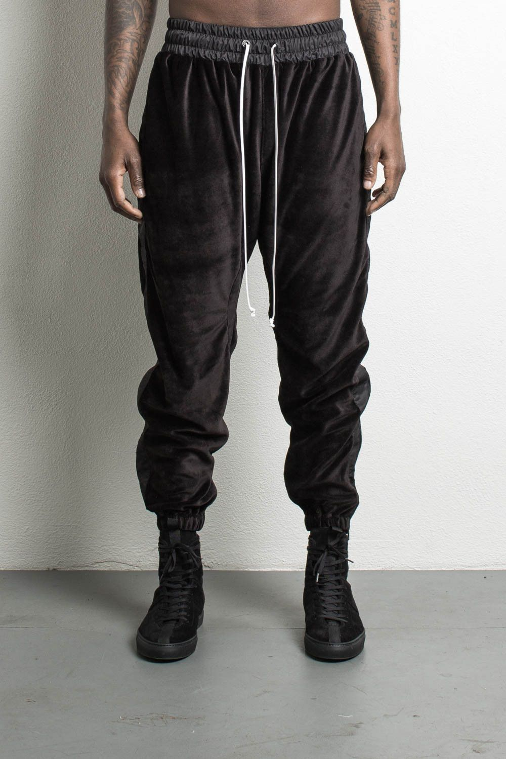 Parachute Track Pant Velour Black Velour Mens Streetwear Designer Sportswear Urban Outfits