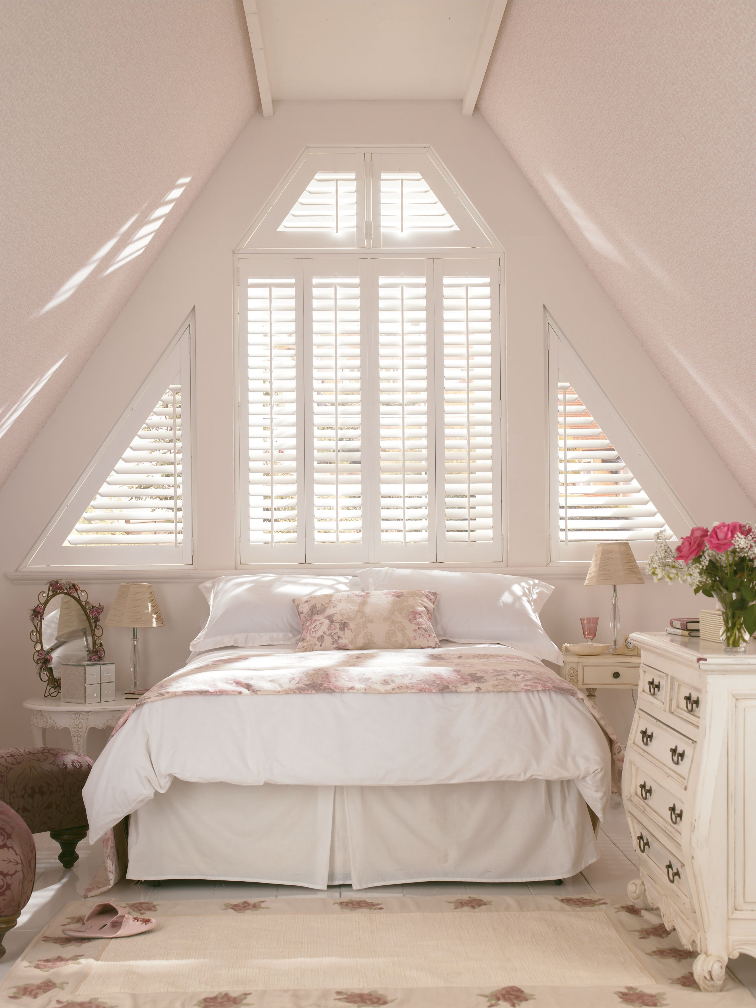 Bright White Décor Lighten Up Small Rooms. Add Creams And