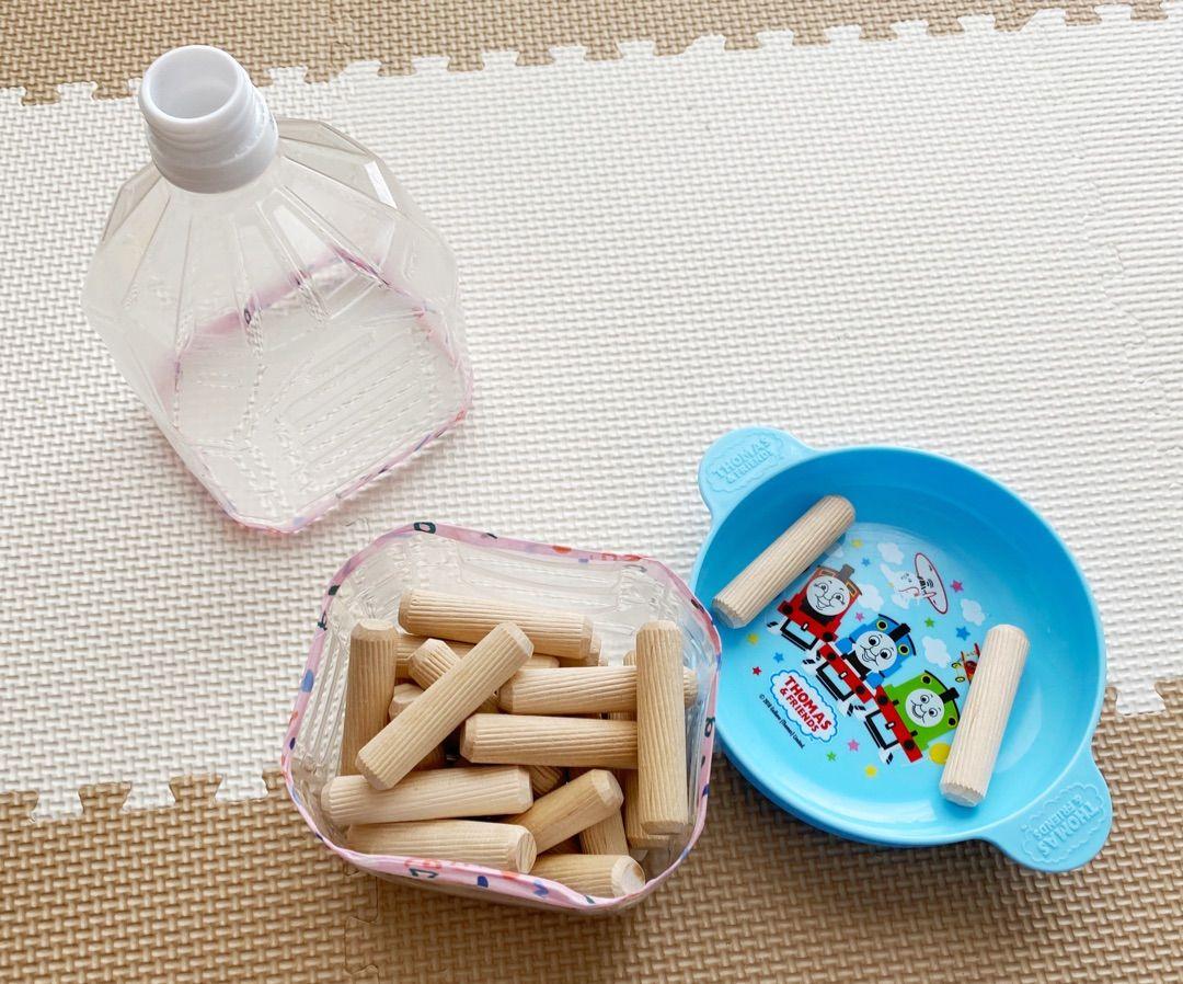 手作りおもちゃ ペットボトルで簡単棒落とし 手作りおもちゃ ペットボトル 0歳児 手作りおもちゃ 手作りおもちゃ