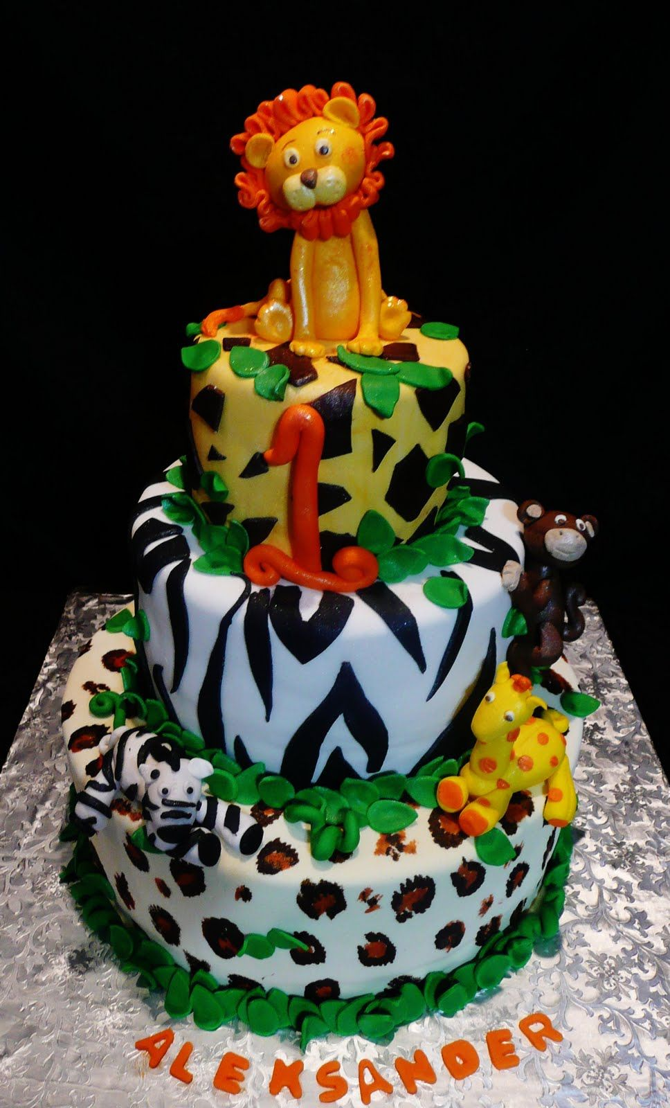 1st birthday jungle themes for boys