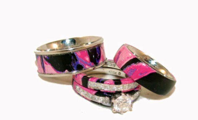 Muddy Girl Camo Engagement Rings So Cute Camo Wedding Rings Camo Engagement Rings Pink Camo Wedding Ring