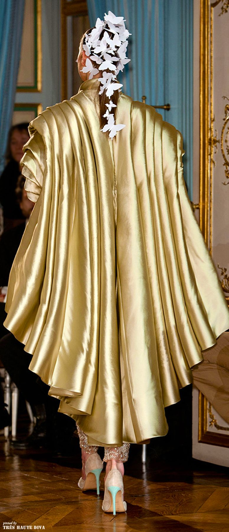 Alexis Mabile Spring 2014 Couture http://nymag.com/thecut/fashion/shows/2014/spring/paris/couture/alexis-mabille.html
