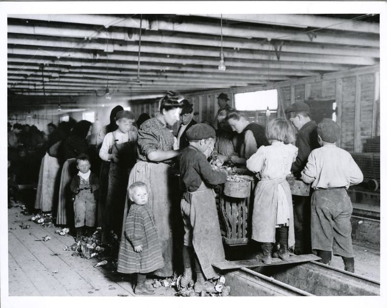 Child labor in Maryland oyster cannery (1900-1937) | Rise of the ...