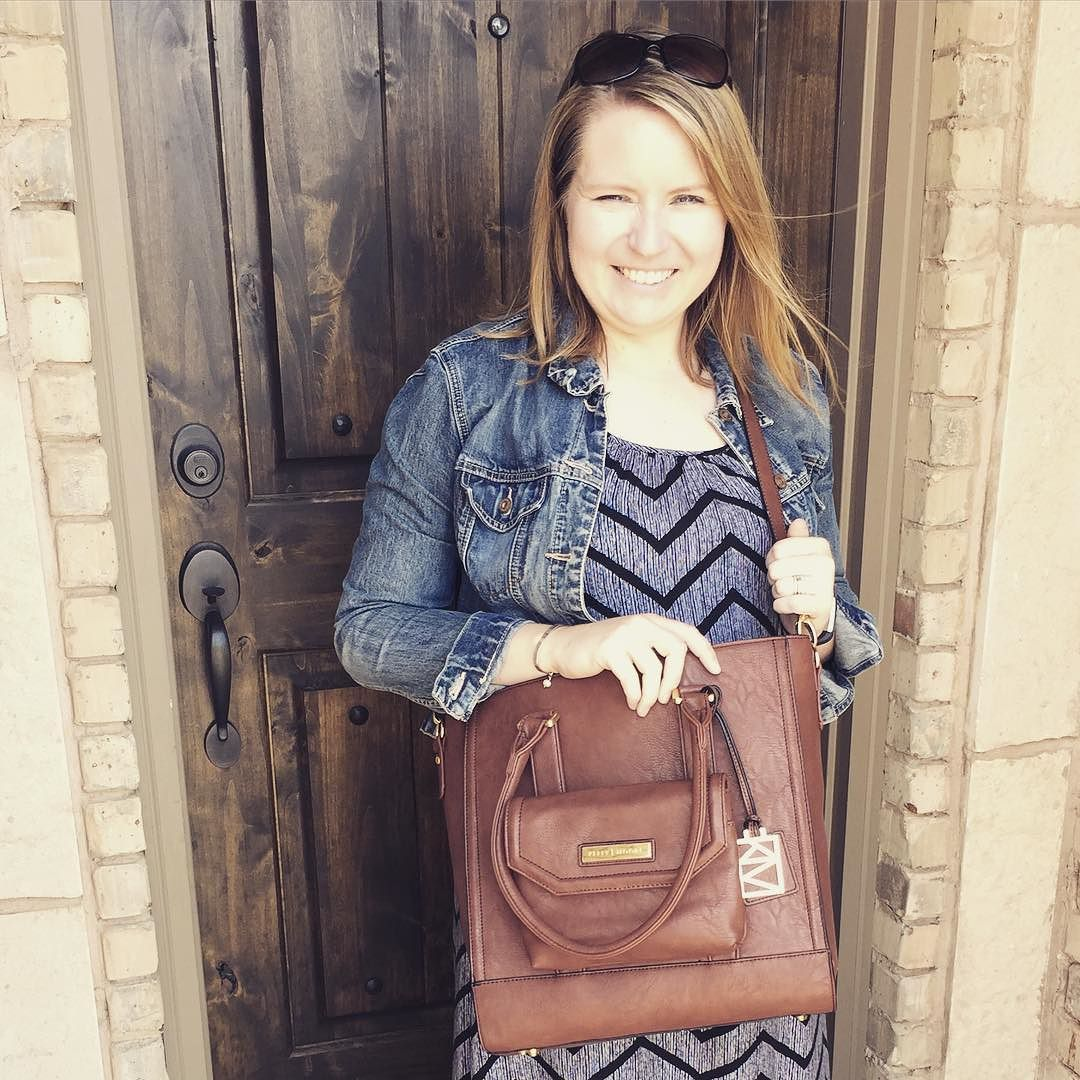 Loving my new Kelly Moore bag! It's so spacious I can even fit my MacBook in it and the organization freak in me loves all the pockets inside.  #kellymoorebag #gorgeous #ad #style #frugalnovice by frugalnovice
