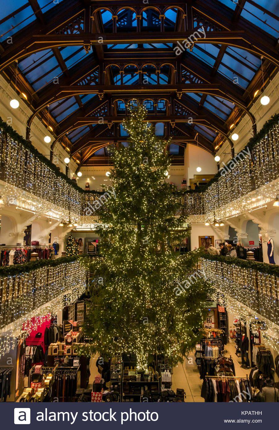Victorian Christmas Tree Stock Photos Victorian In 2020 Victorian Christmas Tree Victorian Christmas Edinburgh Christmas Market