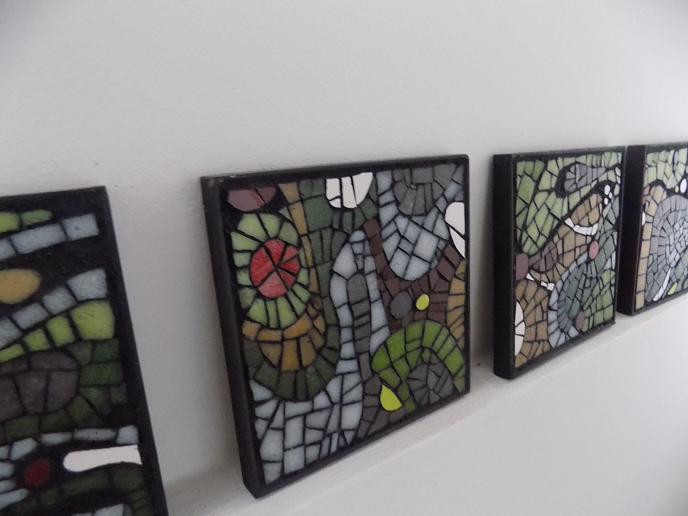 Cuadritos mosaico para exterior con marcos de hierro. | Mosaiquismo ...