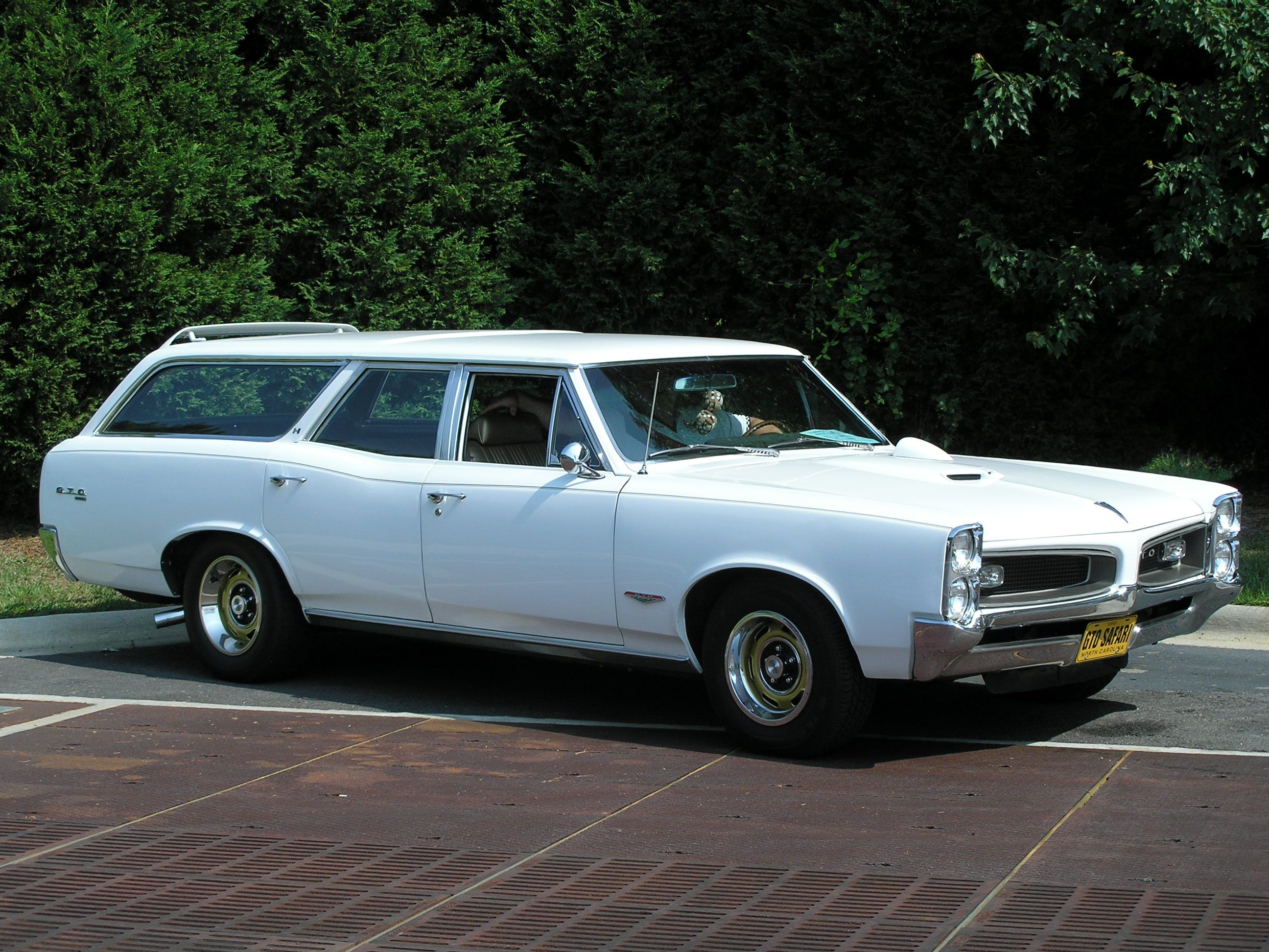 Station Wagons The Documentary Station Wagon Cars Pontiac Gto Station Wagon