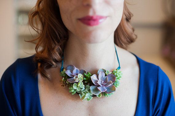 Unique living succulent necklace, floral necklace, wedding jewelry, bridesmaid gift, organic necklace.