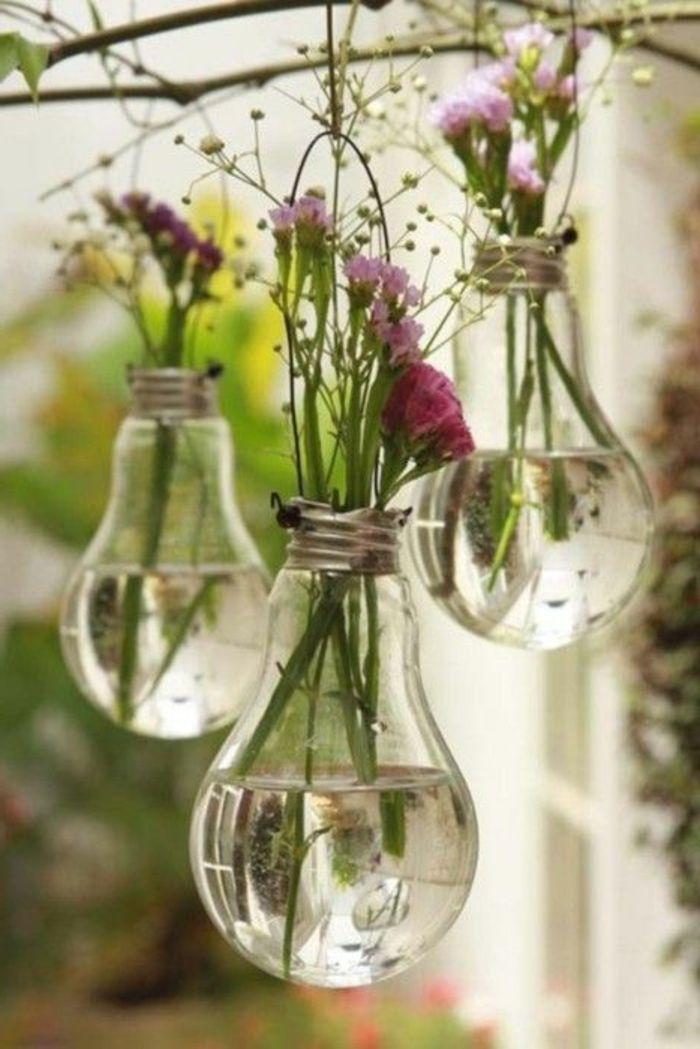 jolie decoration avec grand vase en verre, deco vase transparent