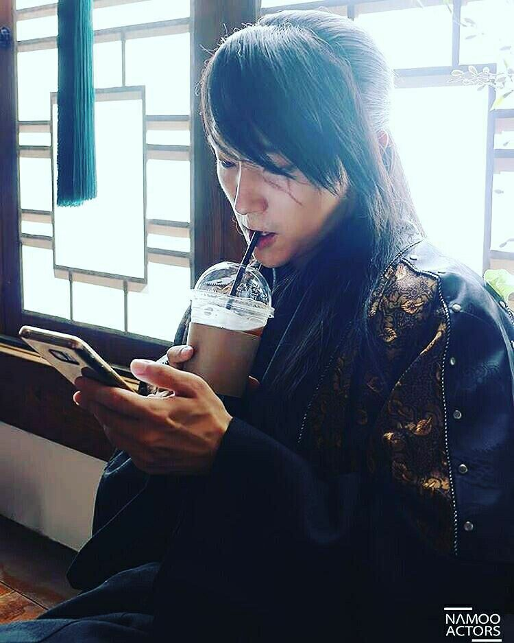 Prince of Goreyeo drinking coffee