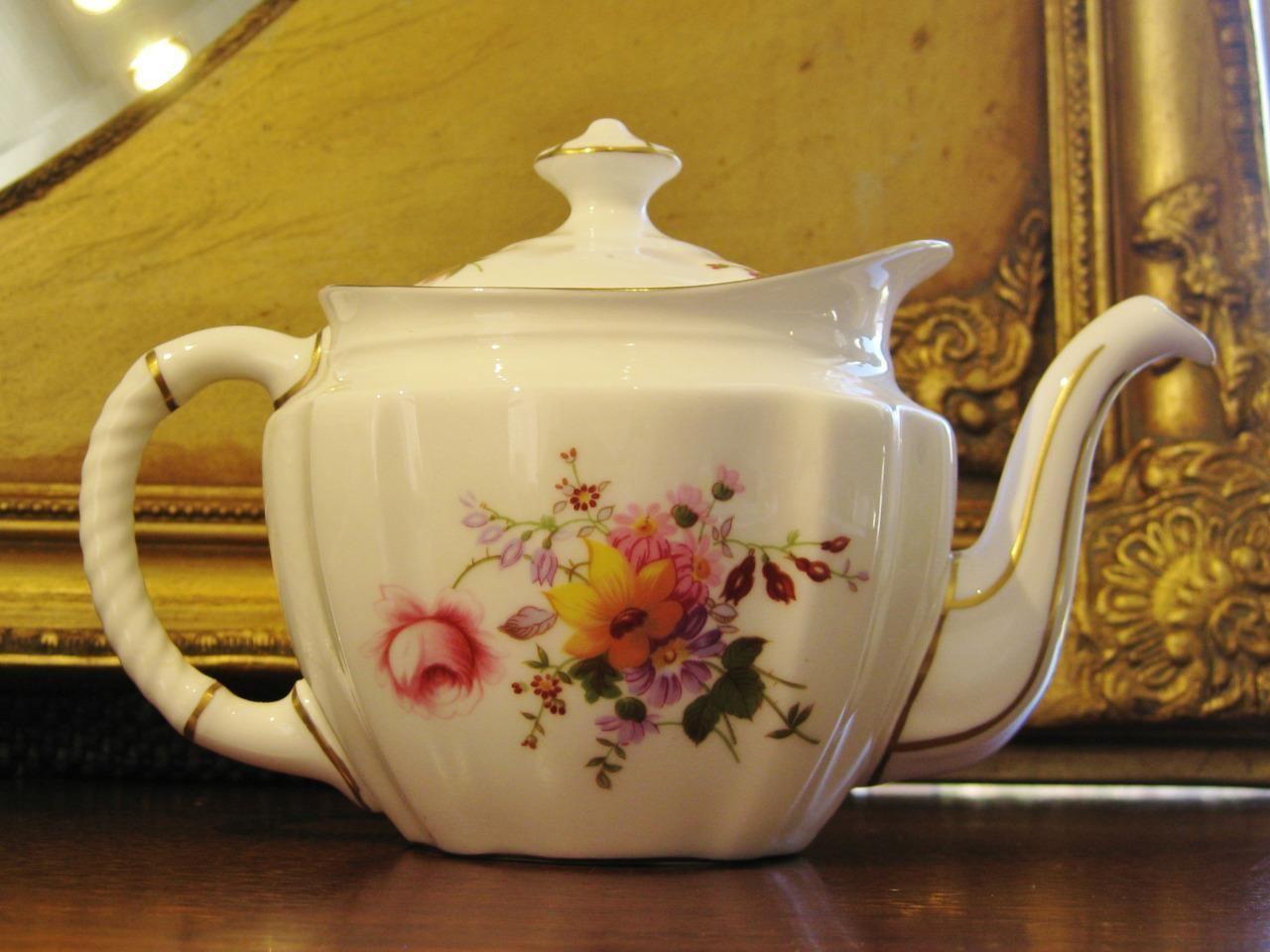 Vintage Royal Crown Derby England Trio Posies Teapot Fine Bone China Ebay Tea Pots Fine Bone China Bone China