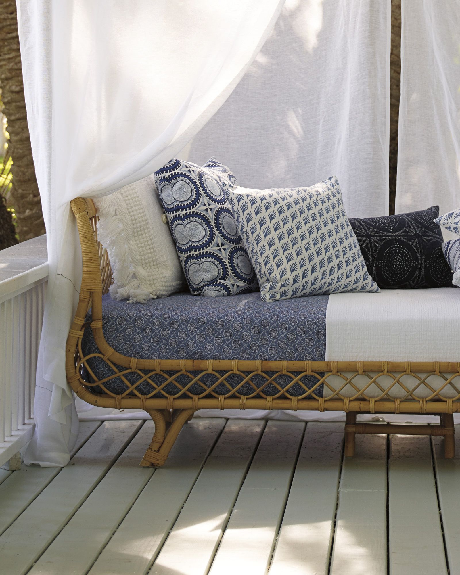 Captiva Outdoor Pillow Cover Outdoor Pillow Covers Rattan Daybed Outdoor Pillows