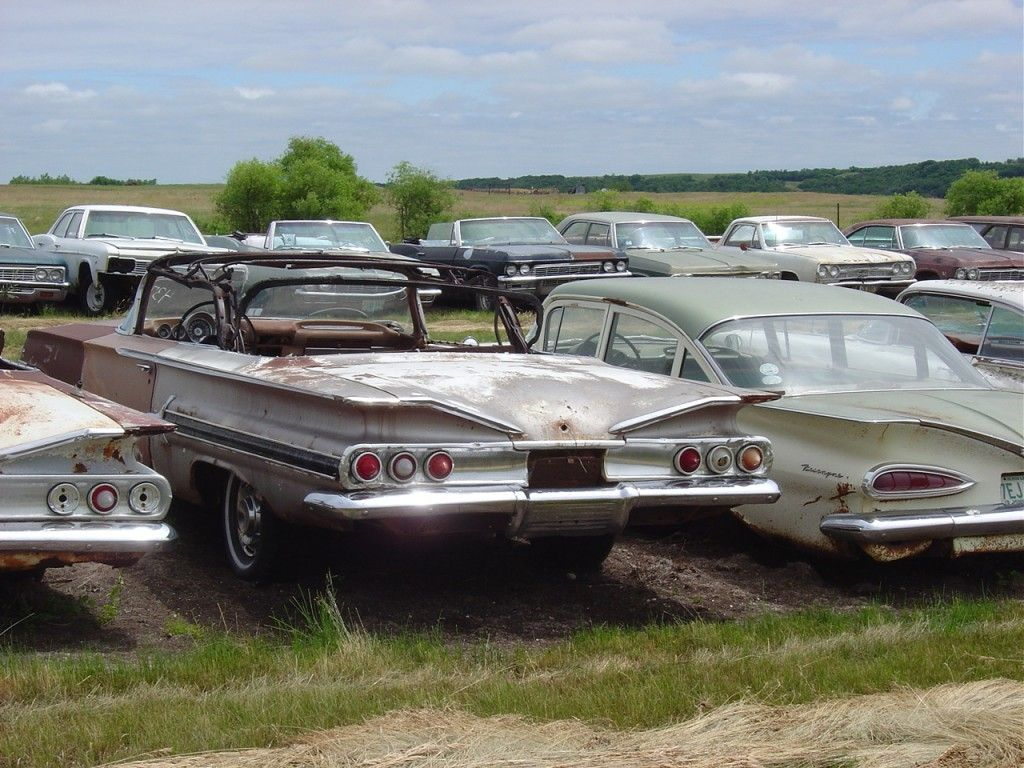All Chevy 1960 chevrolet biscayne 2 door : 1960 Impala (middle), 1959 Biscayne (on right). My older sister ...