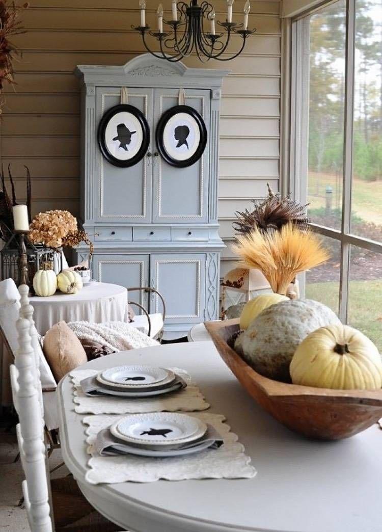 decoration table automne rustique un centre de table en citrouilles et un bouquet sec en epis de ble