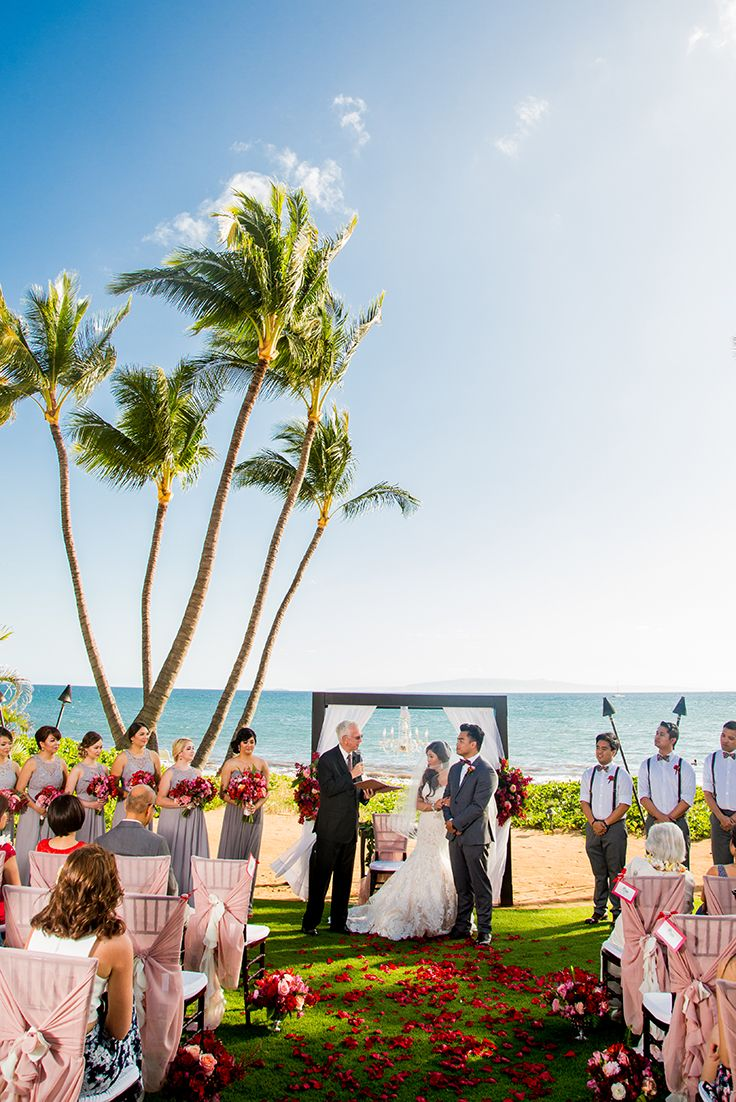 It Was A Lovely Day For A Maui Wedding Florals By Mauipeacock Photo By Cjevans325 Maui Weddings Maui Weddings Venues Beach Events