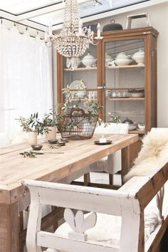 Brocante Eetkamer Tafel.Liefde Voor Brocante With Images Farmhouse Style Dining Room
