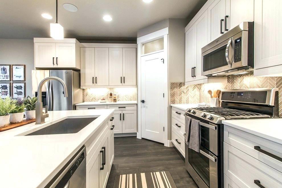 corner pantry kitchen corner kitchen pantry kitchen room design kitchen corner pantry cabinet on kitchen cabinets corner id=50546