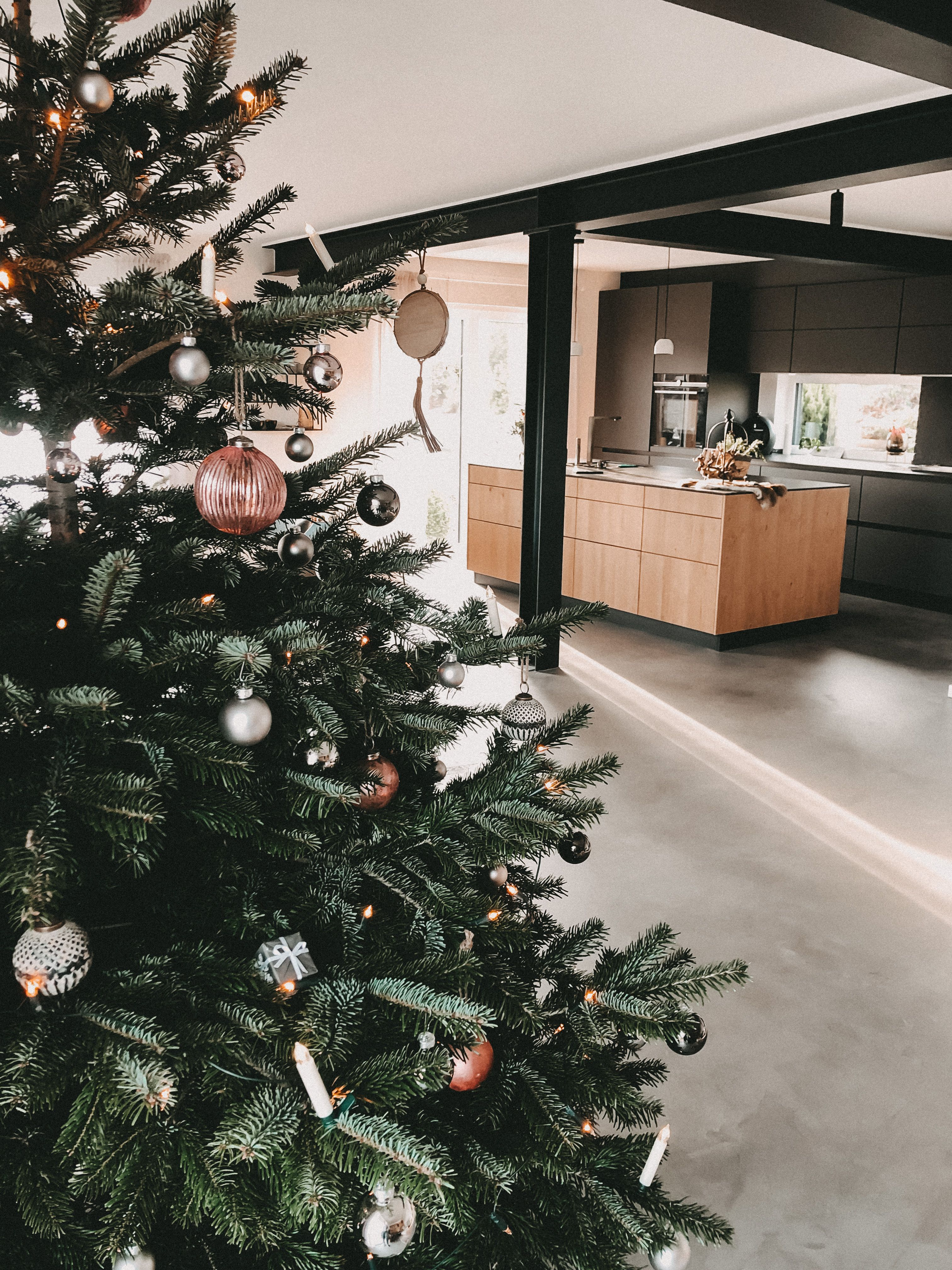 Pin Von Maike Schwabe Auf Stahltrager In 2020 Tannenbaum Schmucken Baumschmuck Weihnachtsbaum