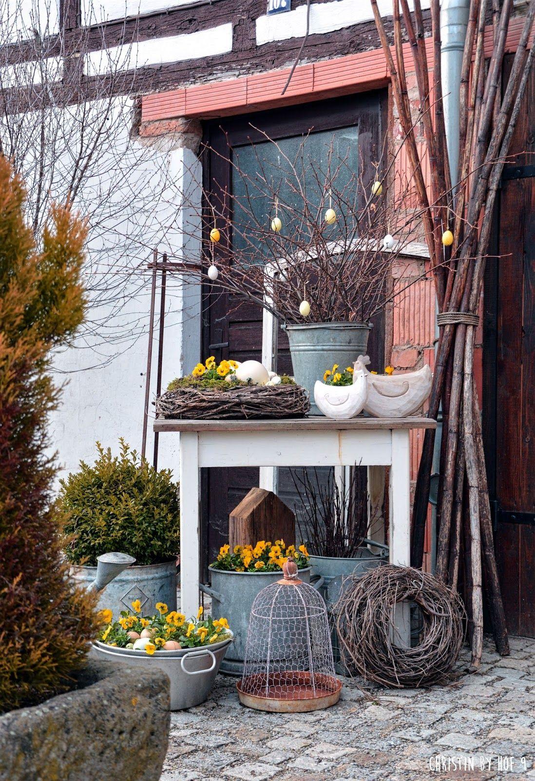 nat rliche osterdekoration osterdeko im garten deko mit zinkgef en gartendeko zu ostern. Black Bedroom Furniture Sets. Home Design Ideas