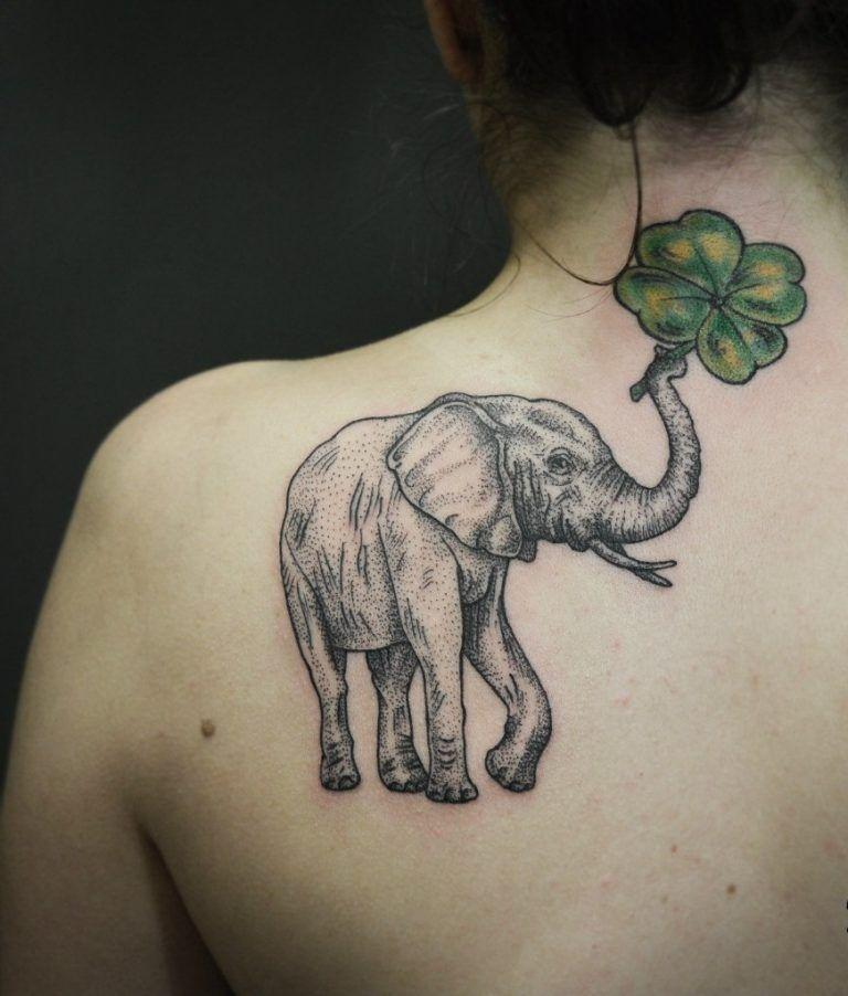 Tattoo Schulterblatt - 34 einzigartige Tattoo Motive für