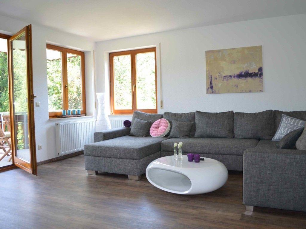 kleines wohnzimmer große couch