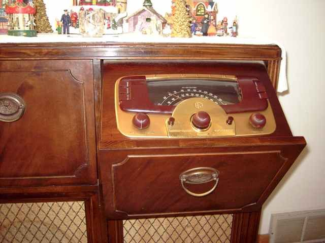 Zenith Model 9H988R LP www.ohio.edu this is probably 30's or 40's ...