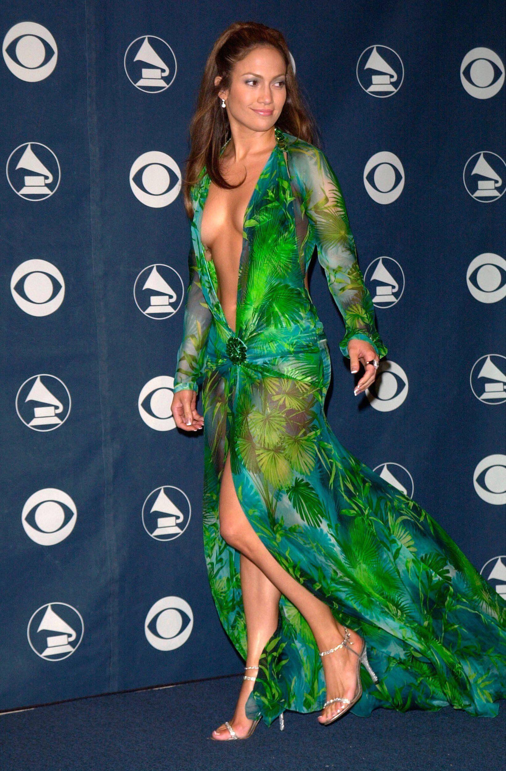 d43ea9f865ae Jennifer Lopez Green Versace silk-chiffon dress At Grammy's 2000 ...