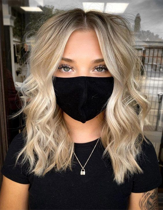 Edgy Style of Champagne Blonde Highlights for Girl
