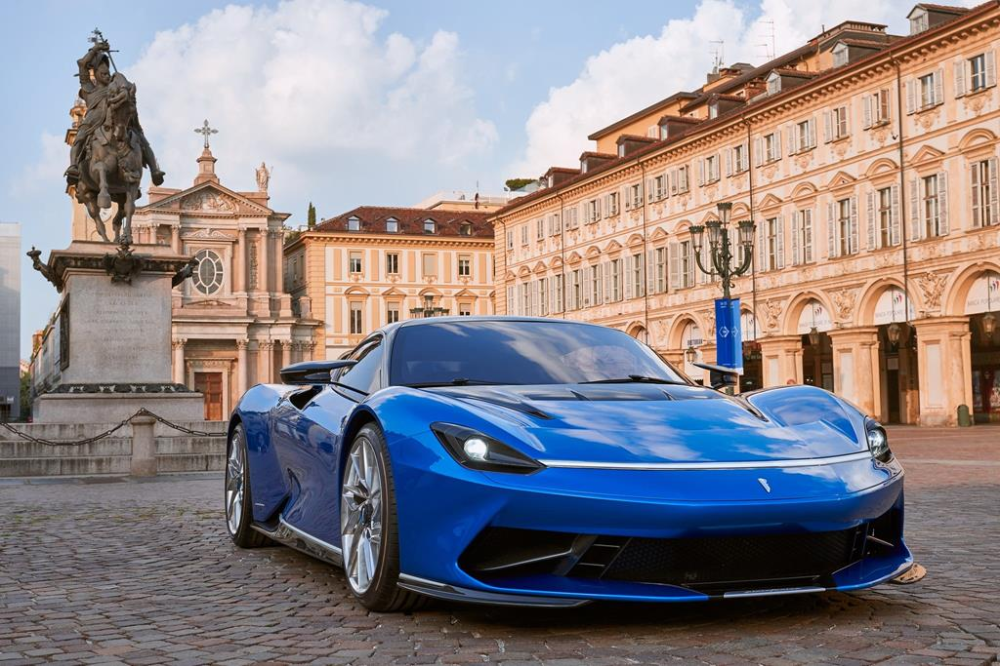 A Homage To Its Powerful V8 Engine The Nbsp Nbsp Ferrarif8tributo Nbsp Nbsp Is A Testament To The Power Of Stunning Beauty Super Cars Ferrari Luxury Cars