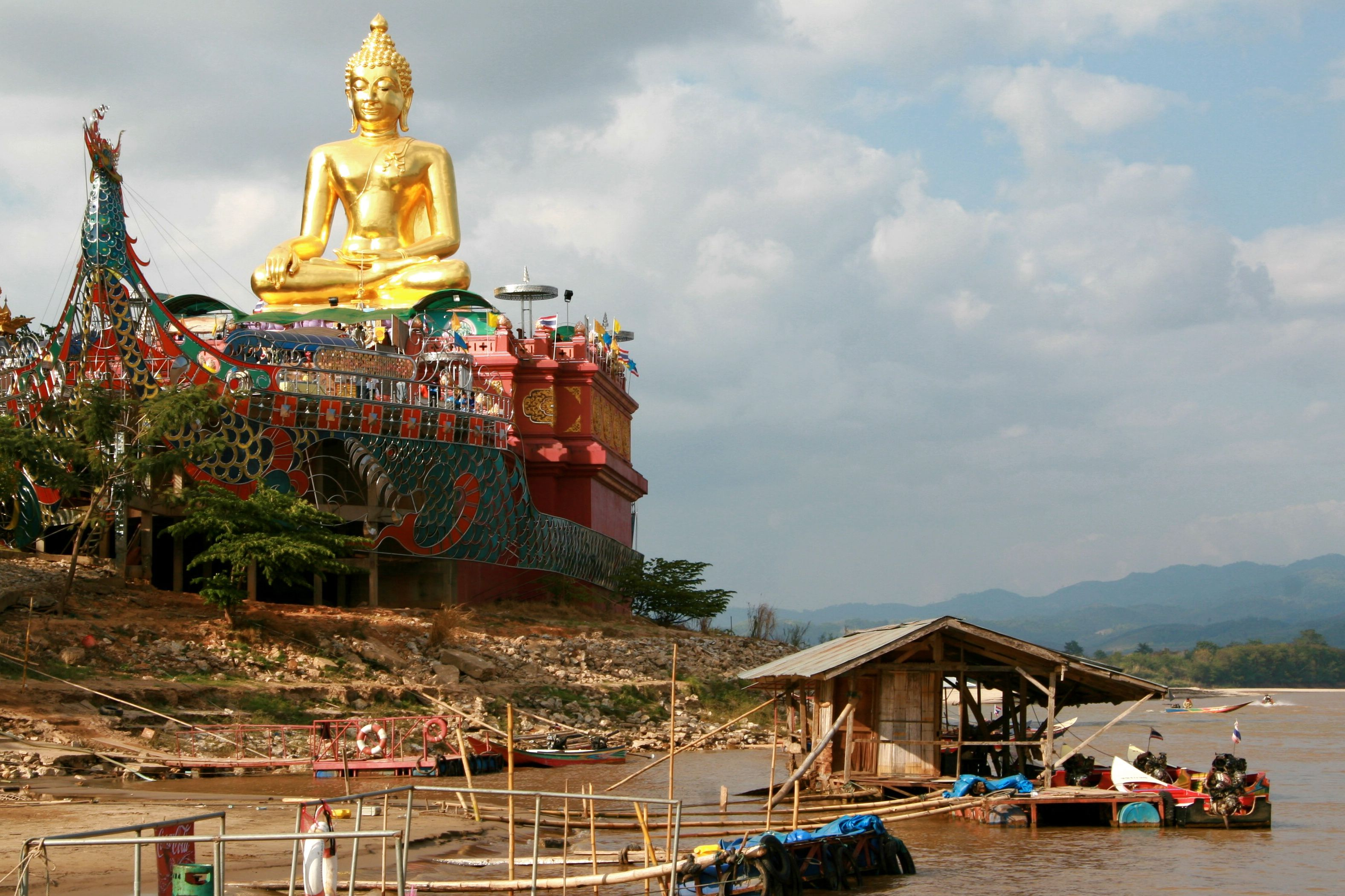 The Golden Buddha located in the Southeast Asia's Golden Triangle | Pinterest