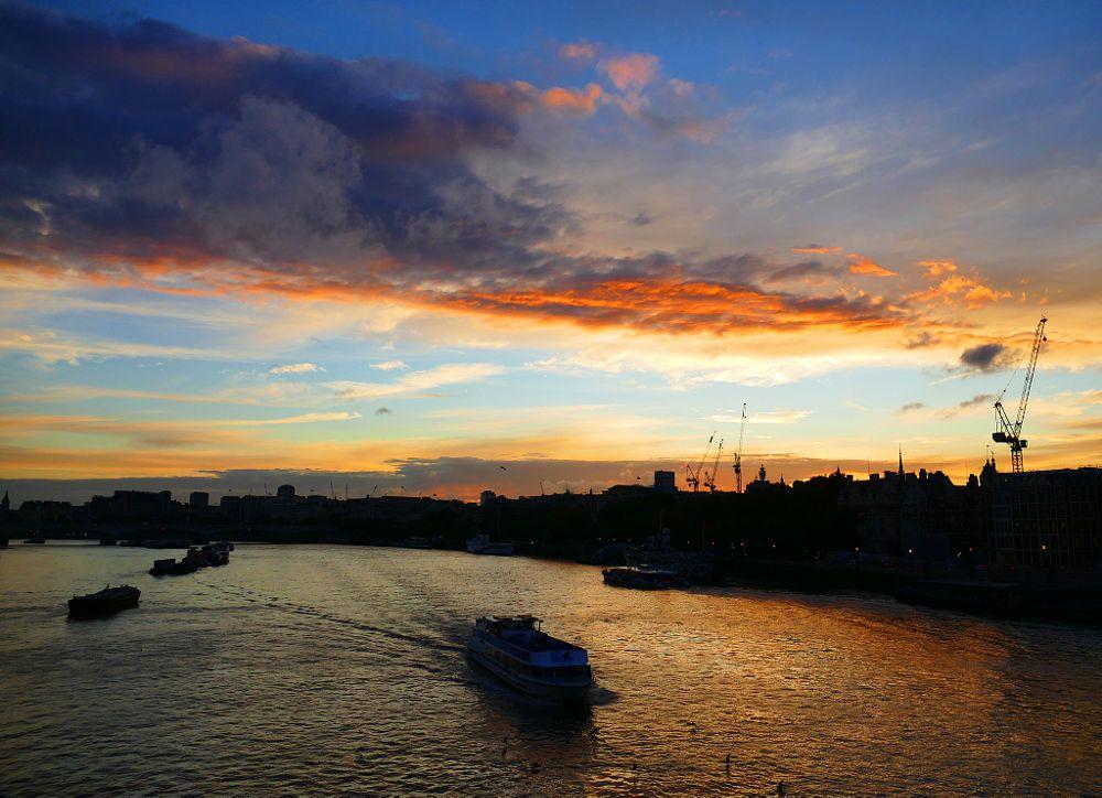 Blaze of Orange - Sunset Over the Thames by Kevin Reynolds - Sunrise Addict on 500px