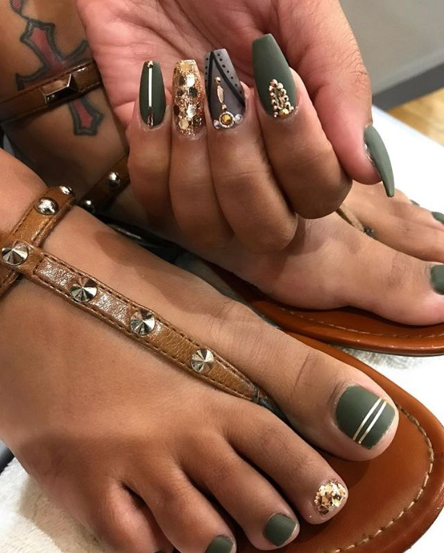 Best Nail Polish Colors For Medium Skin: Super Cute Matte Nails And Toes. Perfect Color For Medium