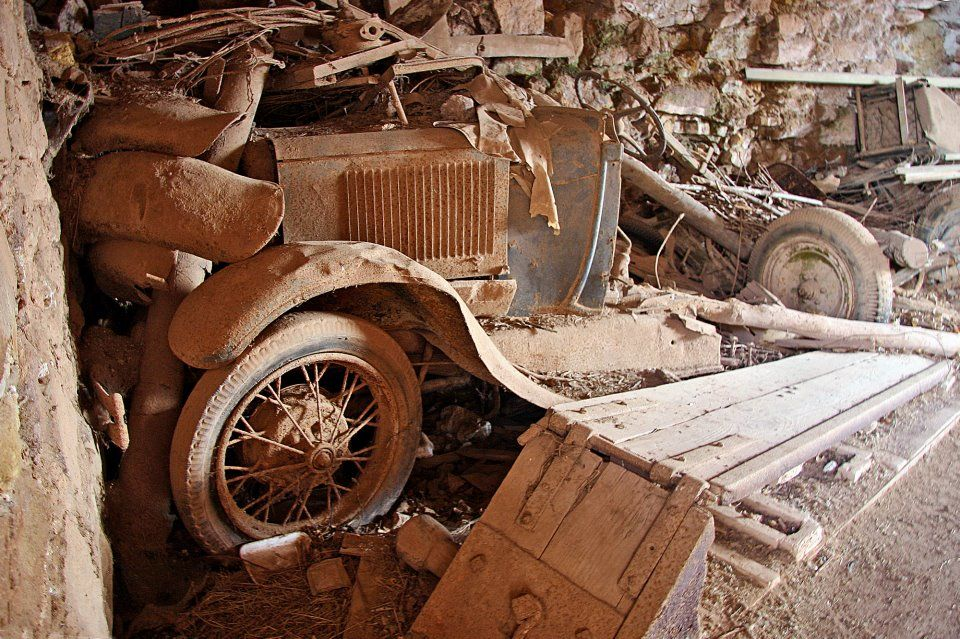 1928 Or 29 Model A Ford Rust in peace, Abandoned cars