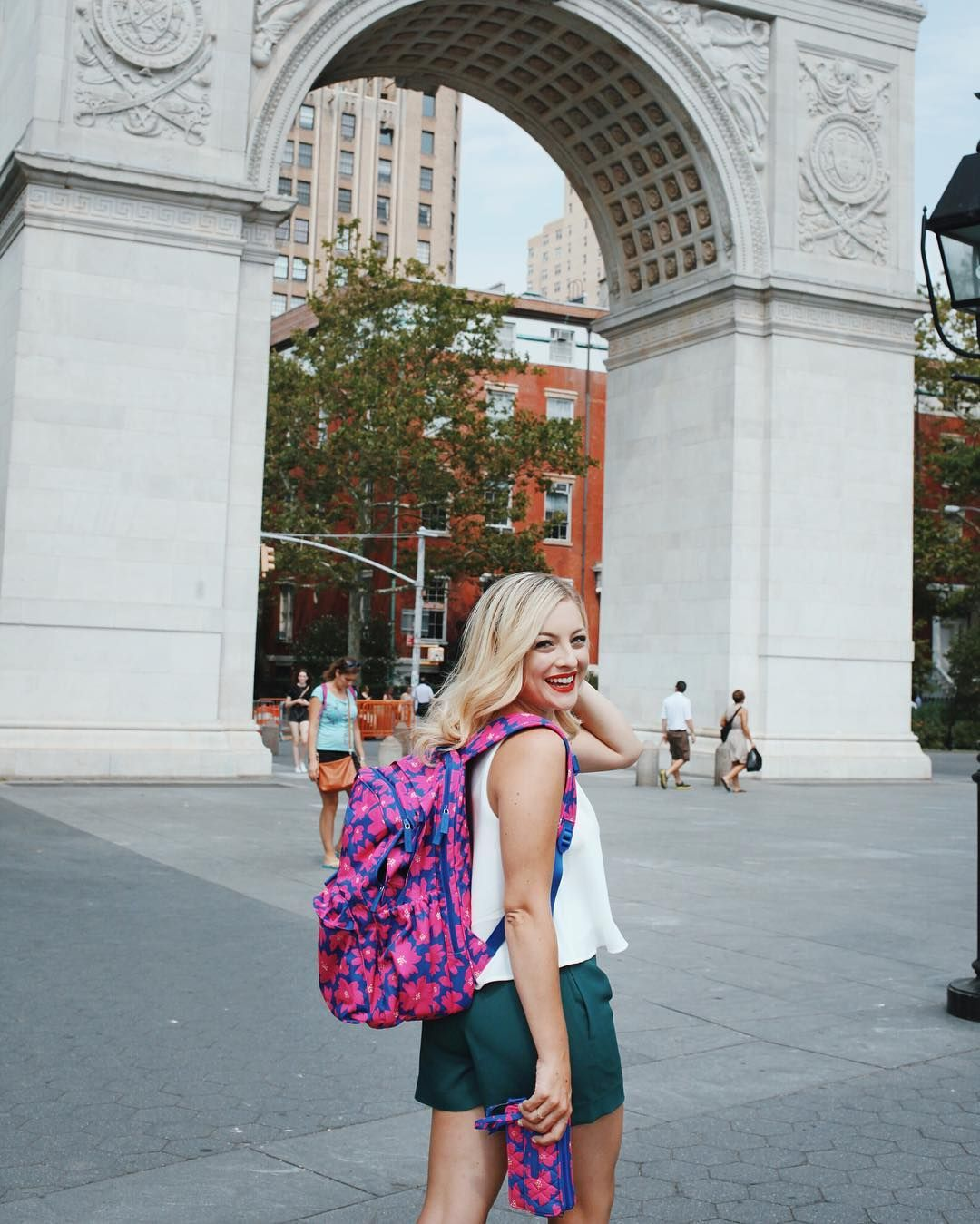 I've teamed up with @cosmpolitan to show you how I rock back-to-school style with @verabradley. First off a bright floral backpack & wristlet paired with a breezy white too & emerald shorts. Stay tuned all day for my favorite looks! #ad