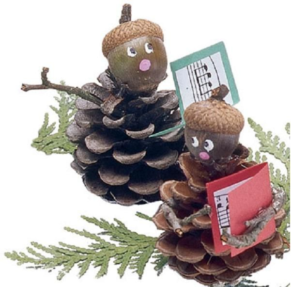 Manualidades de navidad con pi as christmas pinterest - Adornos de navidad con pinas ...